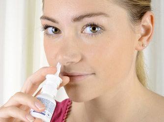 Sinusitis: Welches Nasenspray ist das richtige?