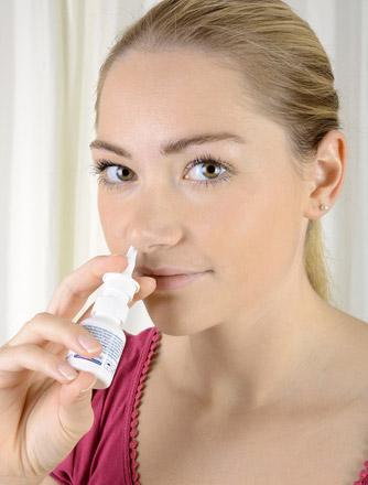 Nasenpflege mit Nasenspray